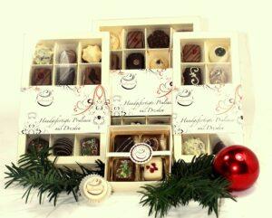 Handgefertigte Pralinen als Mitarbeiterpraesent zu Weihnachten von Pralinenherz