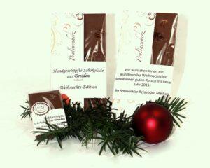 Handgeschoepfte Schokolade mit indiviudueller Banderole Pralinenherz